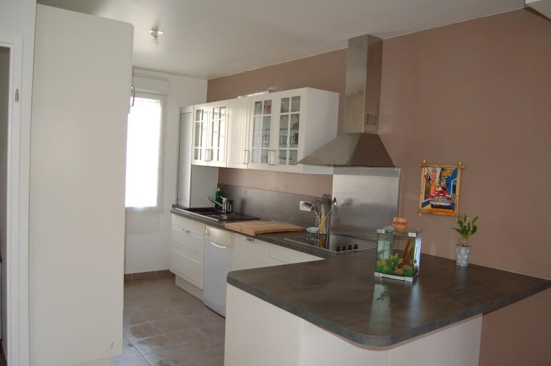 trendy cuisine couleur lin with cuisine couleur lin. Black Bedroom Furniture Sets. Home Design Ideas