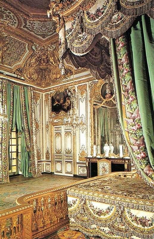 Grand exposition remeubler versailles page 4 for Chambre de la reine versailles