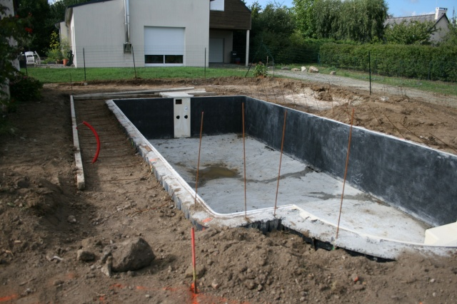 Construction Piscine Desjoyaux