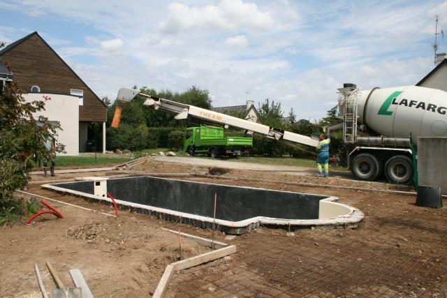 construction piscine desjoyaux. Black Bedroom Furniture Sets. Home Design Ideas