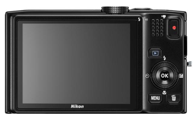 le Nikon Coolpix S8200 noir de dos