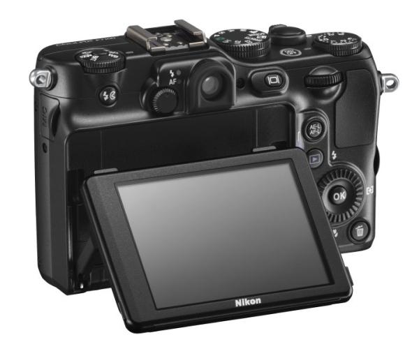 le Nikon Coolpix P7100 de dos