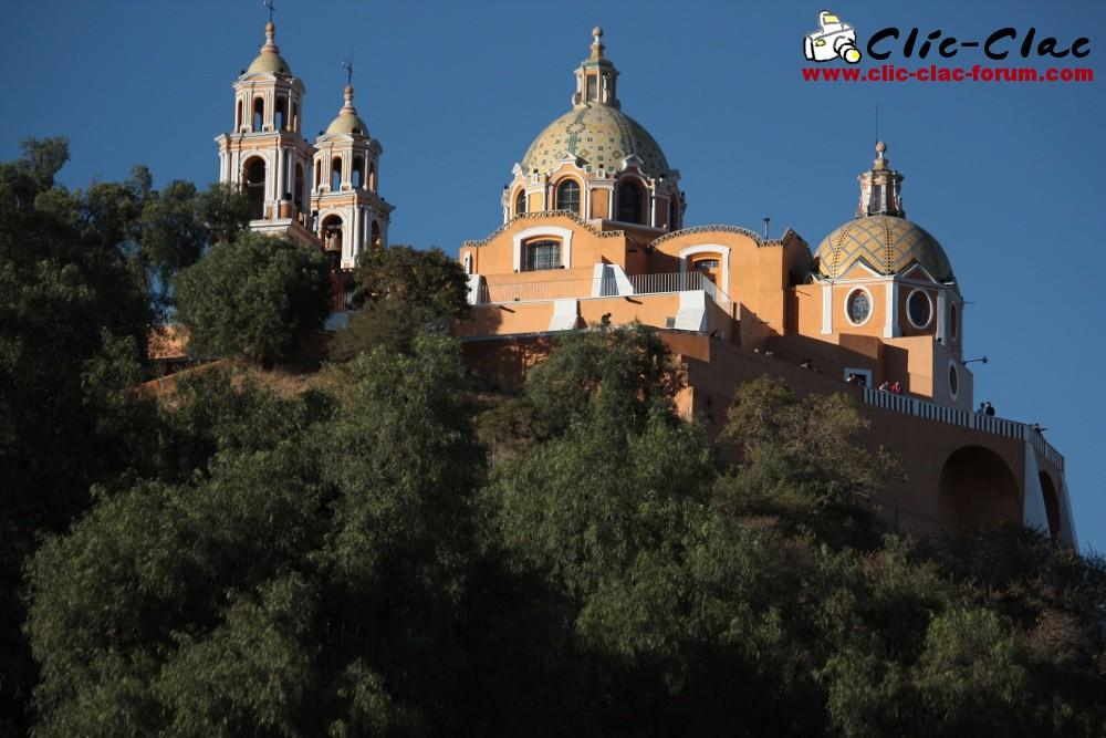 L'église Nuestra Señora de los Remedios de la ville de Cholula au Mexique