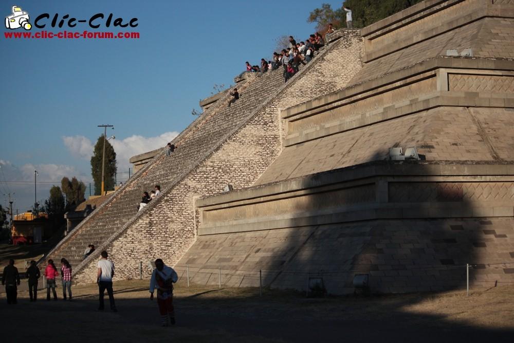 La grande pyramide de Cholula au Mexique