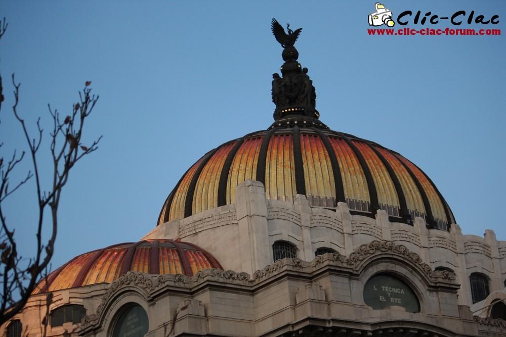 Une partie du Palacio de Bellas Artes, premier opéra de Mexico au Mexique