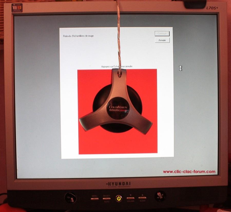 Échantillonnage de la couleur rouge de la sonde ColorVision Spyder2Express de Datacolor