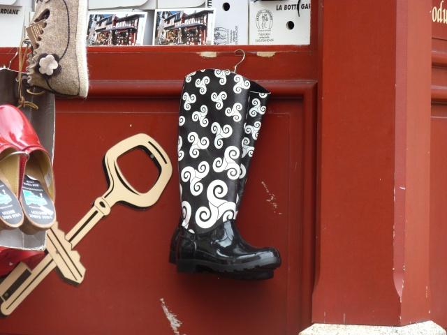 ...des bottes en caoutchouc...  dans Le jardin des souvenirs 00911