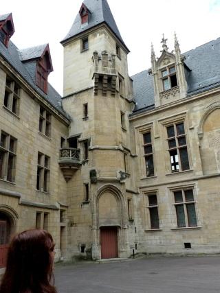 Rue du Figuier...  dans Le jardin des souvenirs 14210