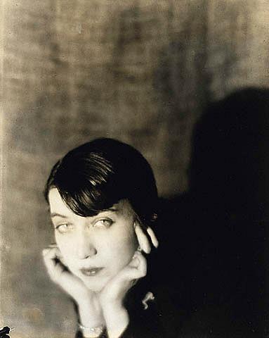 Berenice Abbott, 1921  dans Photographes manray10