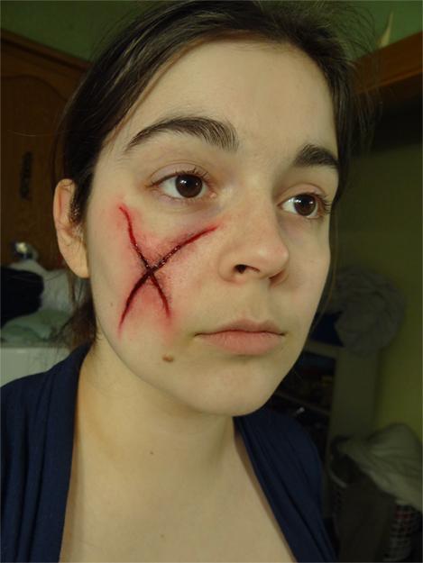 Maquillage - Tache de sang seche ...