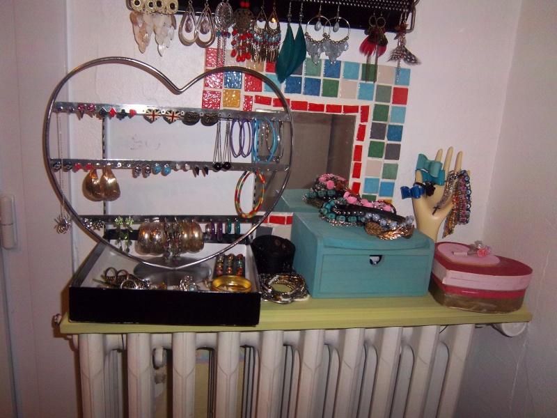 rangement bijoux. Black Bedroom Furniture Sets. Home Design Ideas