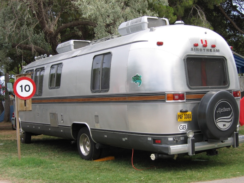 1982 airstream camping car 28 pieds diesel isuzu 2 clim groupe. Black Bedroom Furniture Sets. Home Design Ideas