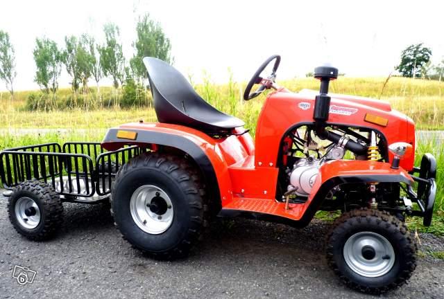 tracteur tondeuse de cross id es sur les parcs et leur quipement de soutien. Black Bedroom Furniture Sets. Home Design Ideas