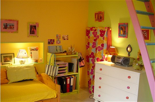 Am nagement chambre de b b mixte maj 24 01 12 enfin finie for Chambre orange pastel