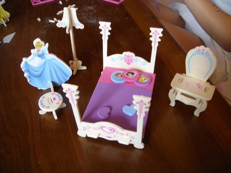 bricolage meubles en balsa disney princesses. Black Bedroom Furniture Sets. Home Design Ideas