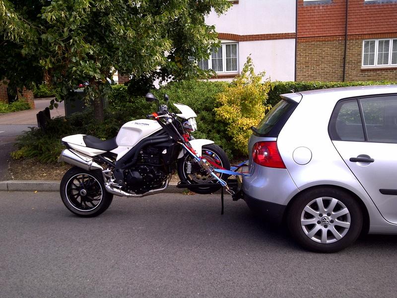 Tracter sa moto sans remorque for Faire polir sa voiture