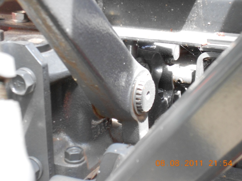 Tractor Implements: AJUSTING-3-POINT-HITCH