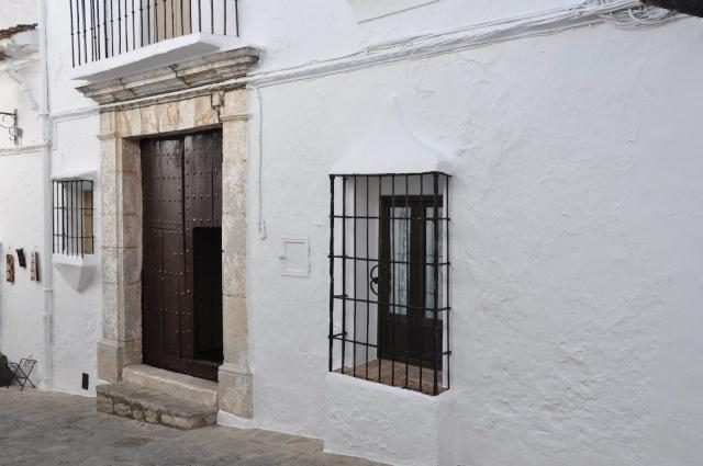 chaux blanche sur façade