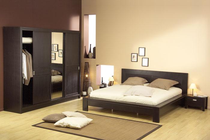 besoin de petit conseille pour d corer une chambre taupe. Black Bedroom Furniture Sets. Home Design Ideas