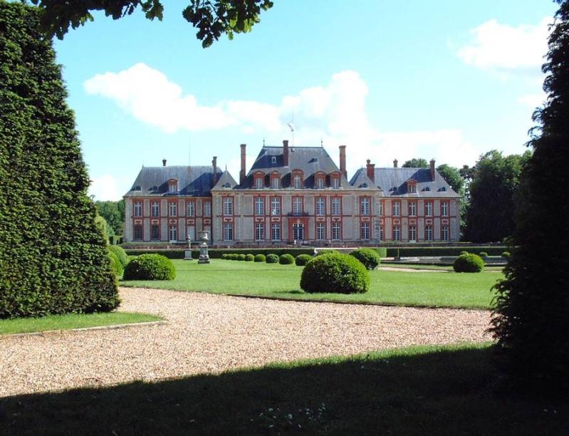 chateau de breteuil 78 pour les rceptions de mariage ou dentreprises pour les sminaires pour les runions familiales ou associatives - Chateau De Breteuil Mariage