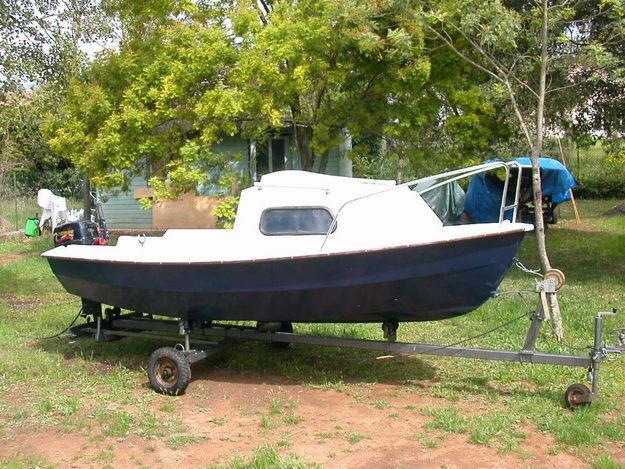 bateau de peche 4m