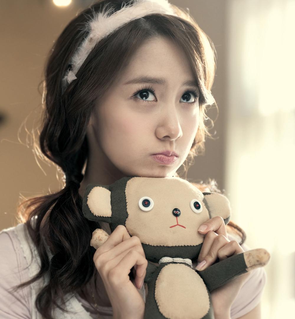 yoona lahir pada 30 mei 1990 yoona memiliki julukan deer rusa karena ...