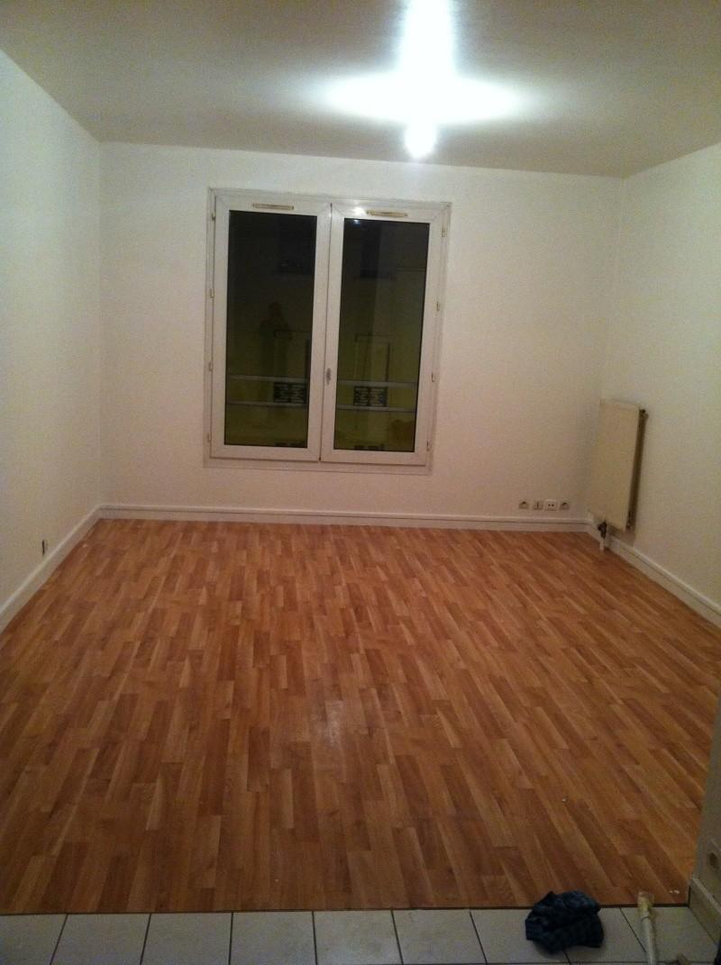 urgent comment separer une pieces de 15m carr. Black Bedroom Furniture Sets. Home Design Ideas