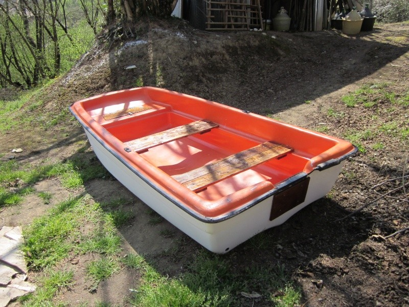 Vendo barca in vetroresina come nuova 3 mt ottima per for Barchetta da pesca