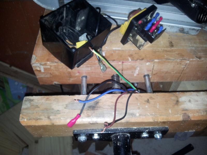 branchement moteur bouton marche arret sur scie sur. Black Bedroom Furniture Sets. Home Design Ideas