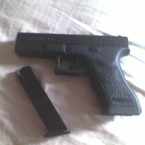 FOR SALE UNUSED NEVER FIRED blank firing Glock 17